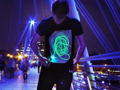 Interactive Glow T-Shirt kopen - Nunet - Leuke dingen -2